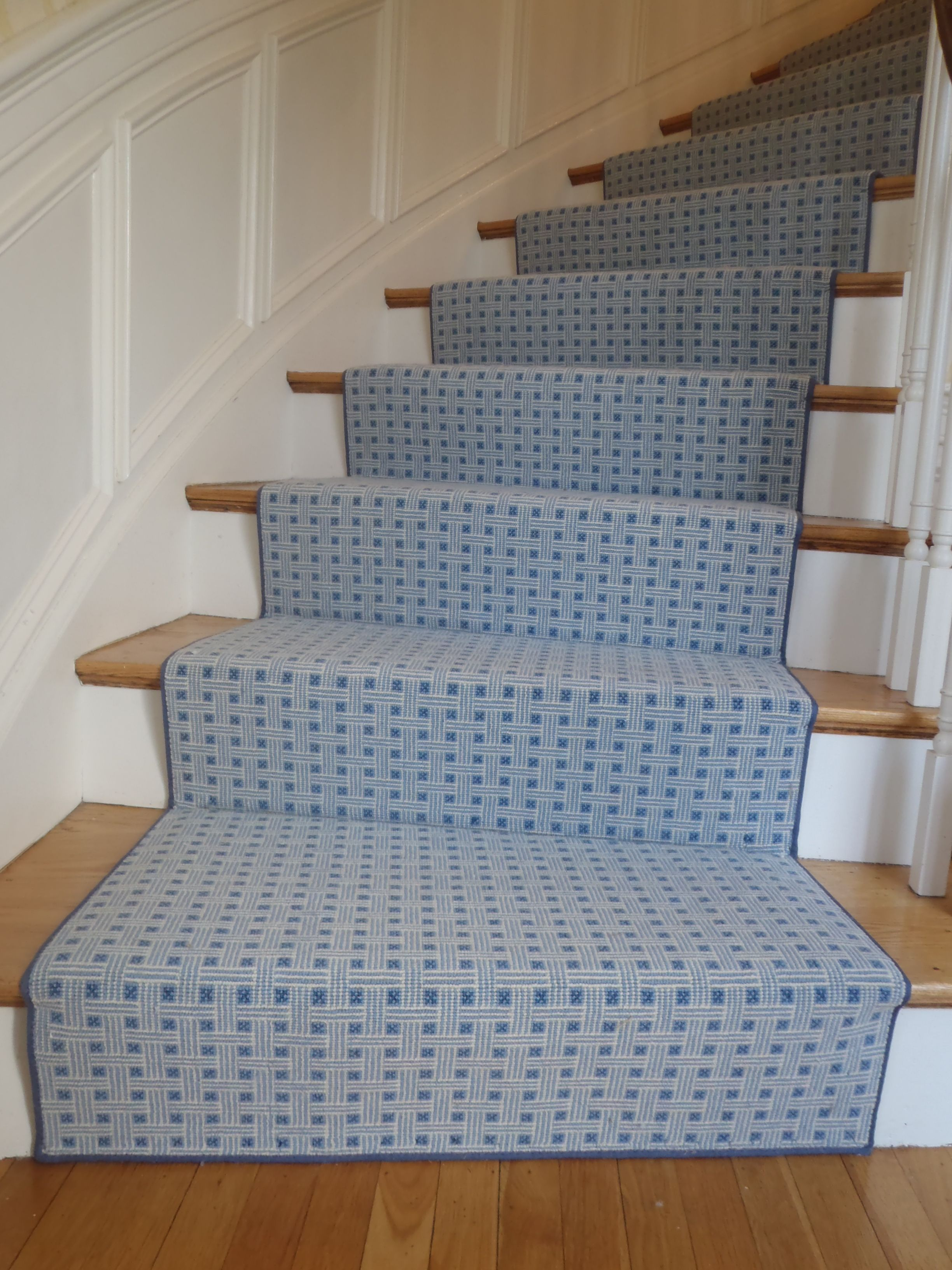 Best This Is A Custom Turned Stair Runner Fabricated At The 400 x 300