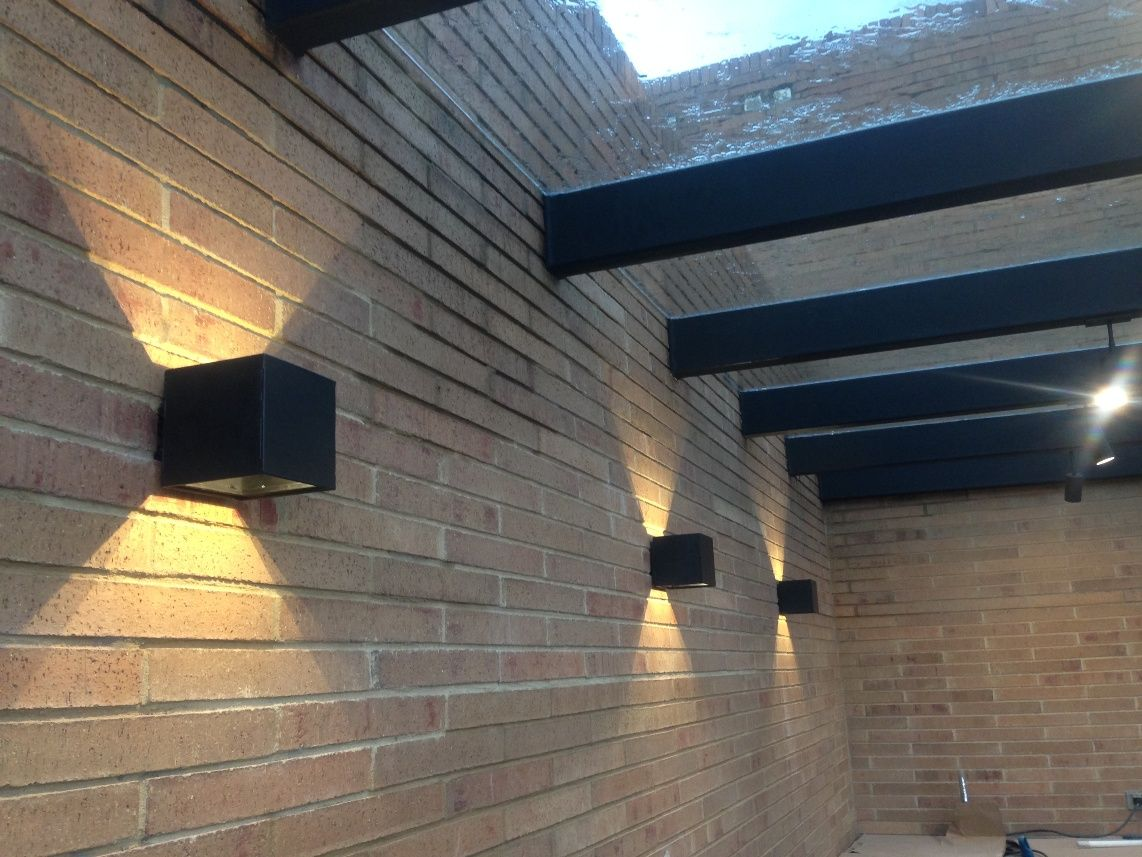 Aplique de pared cubo doble foco ideal para terrazas for Lamparas led para exteriores