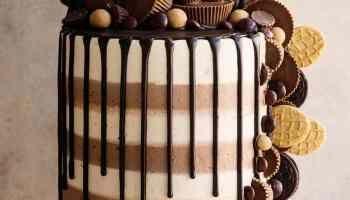 Triple Peanut Butter Cake Recipe AND Video! Ashlee Marie #peanutbutterfudge