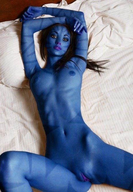 nude cosplay Avatar girl