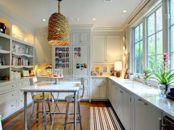 Love the pendant in this kitchen