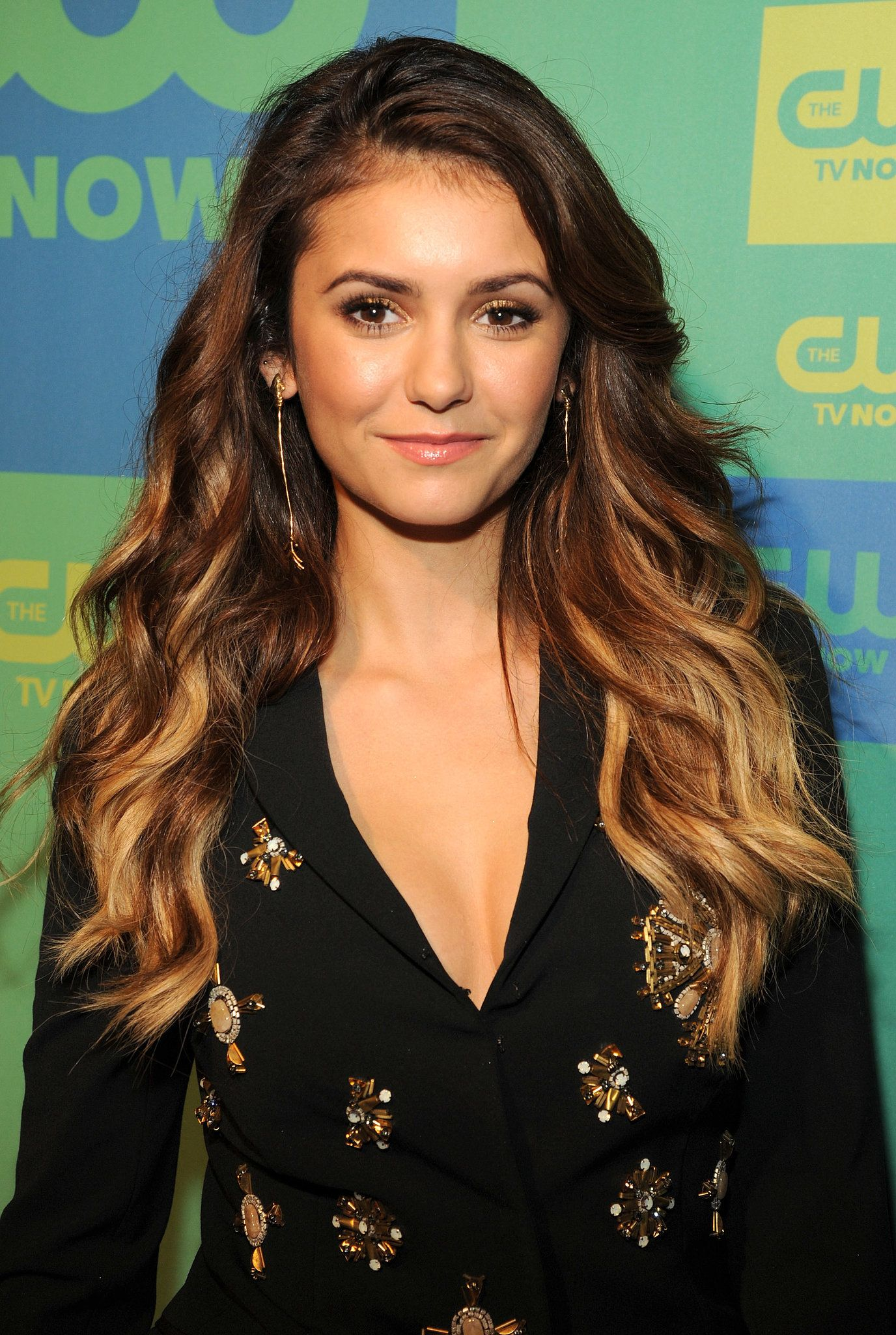 nina dobrev makeup haar und frisur. Black Bedroom Furniture Sets. Home Design Ideas