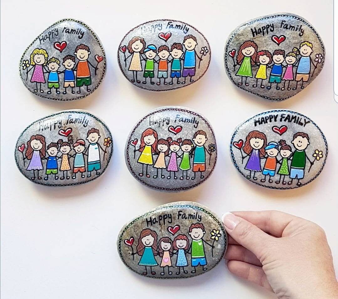 CUSTOM family picture, Family portrait, family gift, painted stone, pebble art, gift for mom, home decor, unique gift, painted rock