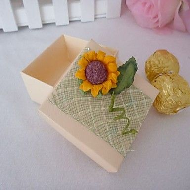 Square Favor Box With Sunflowers (Set of 12) – USD $ 7.99