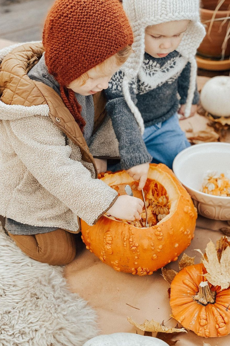 @mummyuniverse made this adorable photo of her kids having fun with pumpkins! And how do you spend your Autumn time at home? The little boy is wearing our hand knitted Frost sweater! #shirleybredal #kidsfashion #childrenfashion #kidsbrand #kidsclothes #childrenclothes #sustainablefashion #babiesclothes #family #familyphotography #familypictures #familygoals