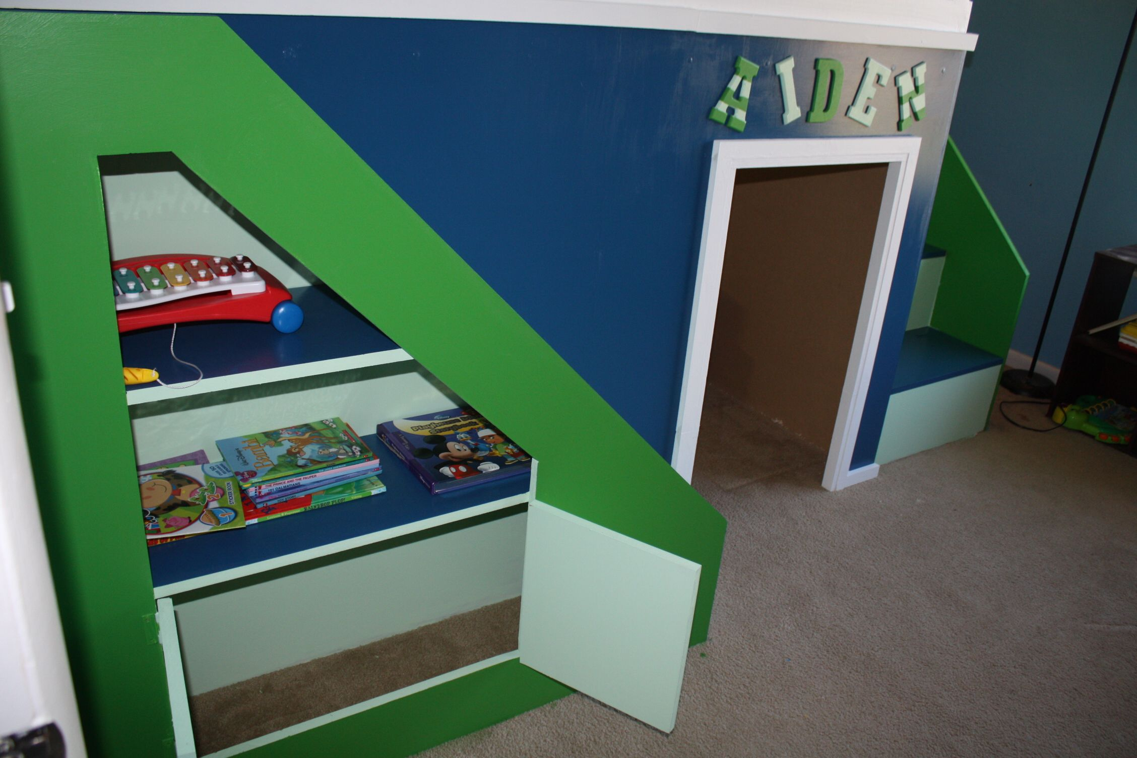 Queen size loft bed with stairs  My first build Queen size playhouse loft bed EasyPin  Things for