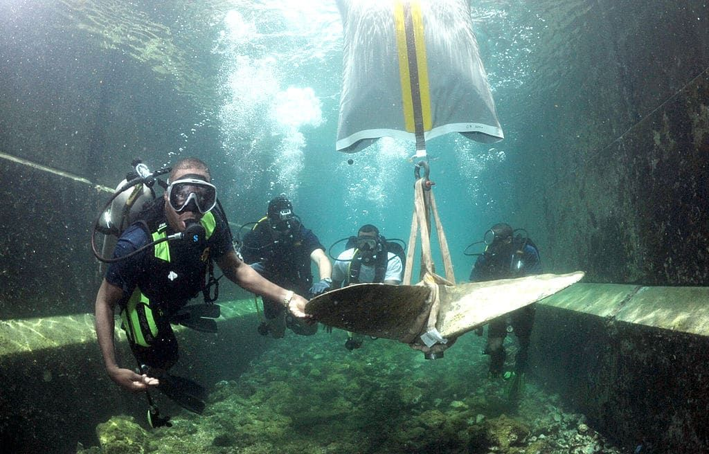 Using Lift Bags To Get Items Off The Seabed Now What Scuba Diving Underwater