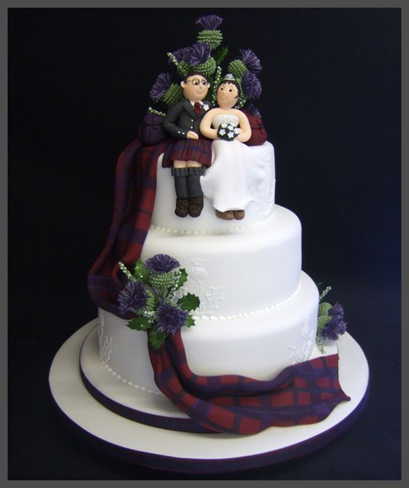 couple wedding cake draped tartan thistle wedding cake 13016
