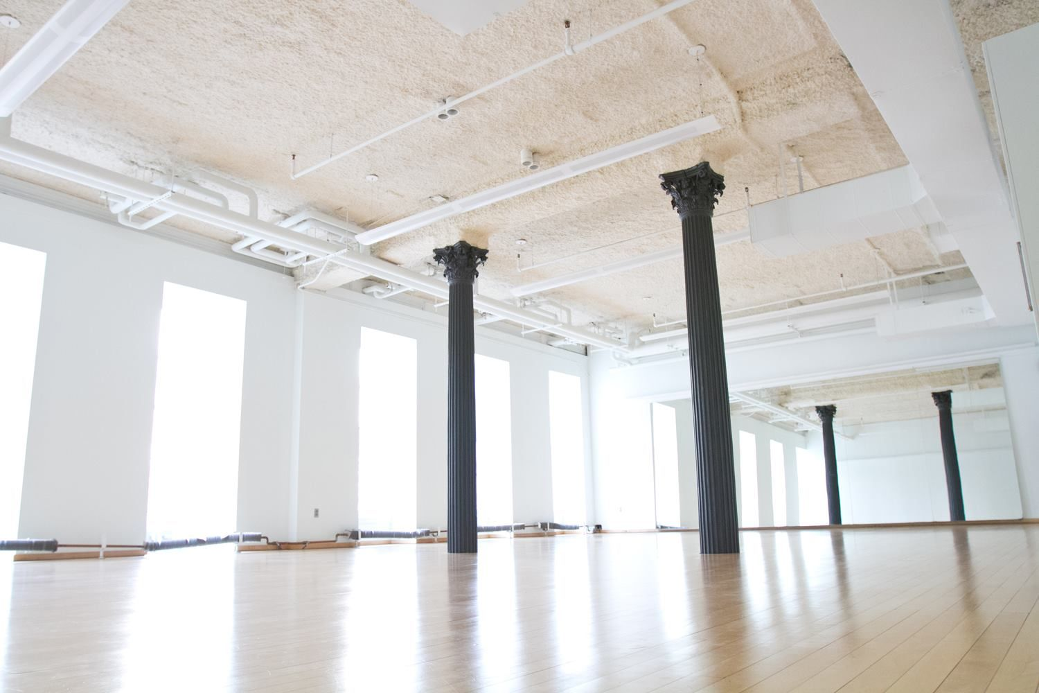 Spacious Well Lit Studio With White Walls And Windows White Walls Studio Huge Windows