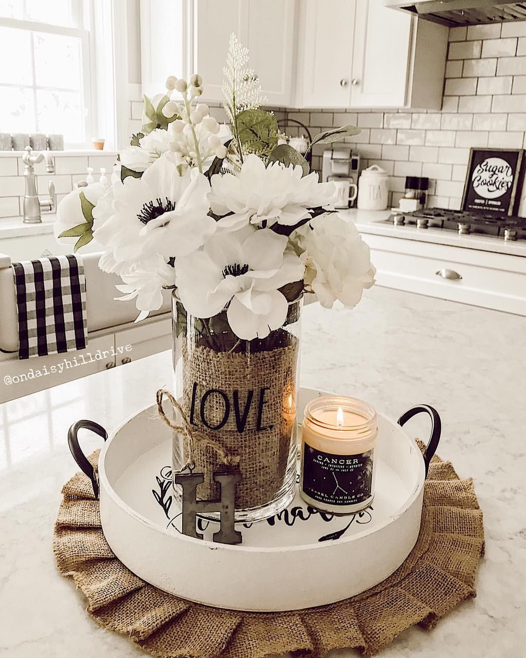 Kitchen Jerri On Instagram Hello There Fri Yay The Sun Is Shining The Kitchen Is In 2020 Kitchen Table Decor Dining Room Table Centerpieces Dining Room Table Decor