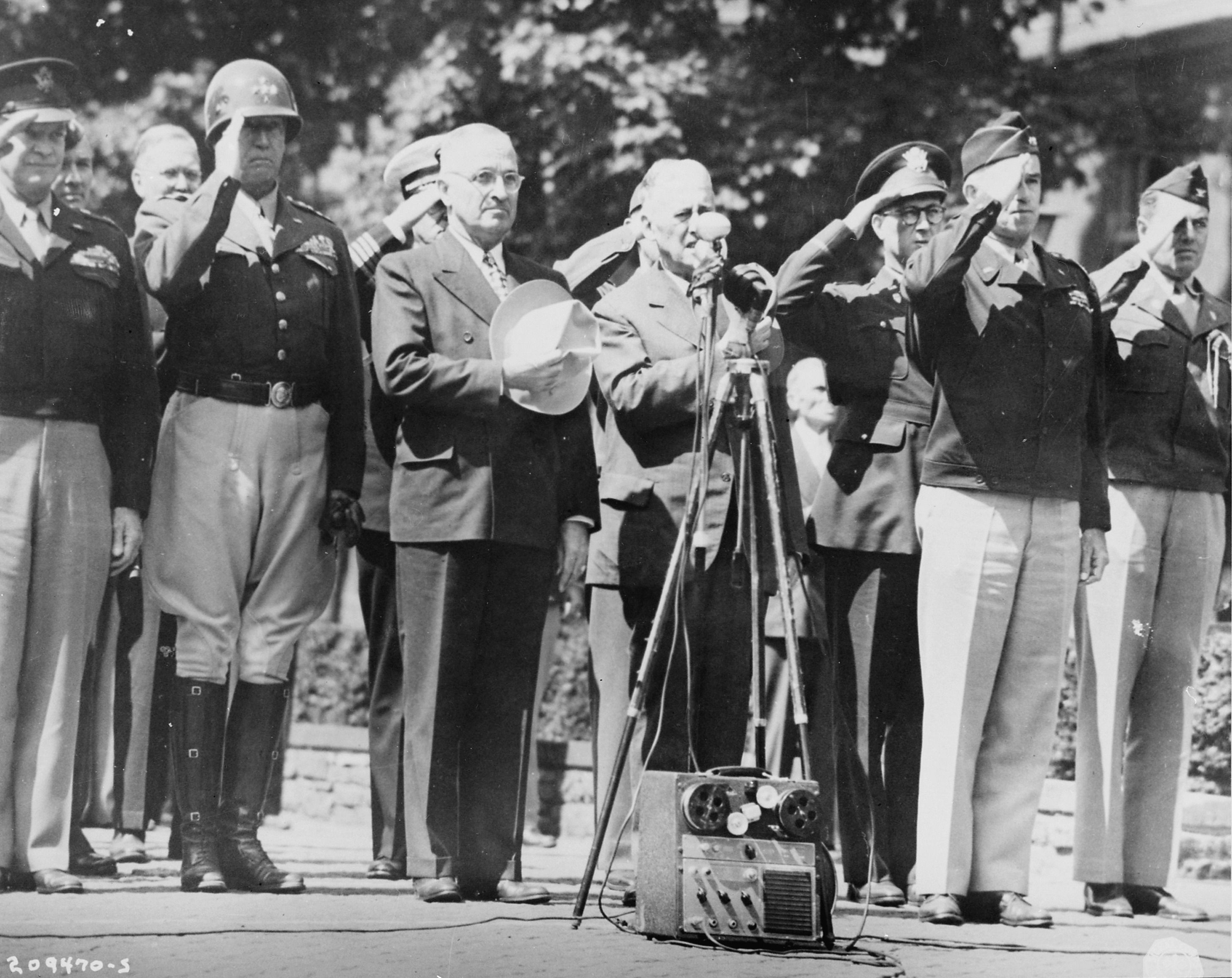 Photo Dwight Eisenhower George Patton Harry Truman Henry Stimson Omar Bradley And Others During The Raising Of A Us Flag Over Berlin Germany 20 Jul 194 Harry Truman George Patton Dwight Eisenhower