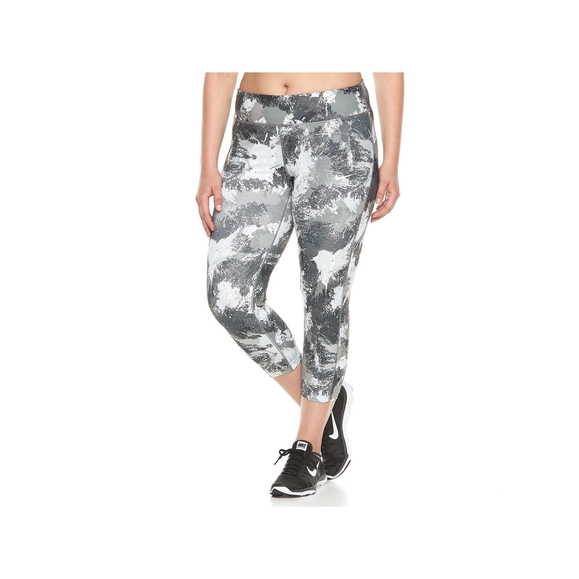 524452156a0 Plus Size Nike Essential Running Crop Leggings