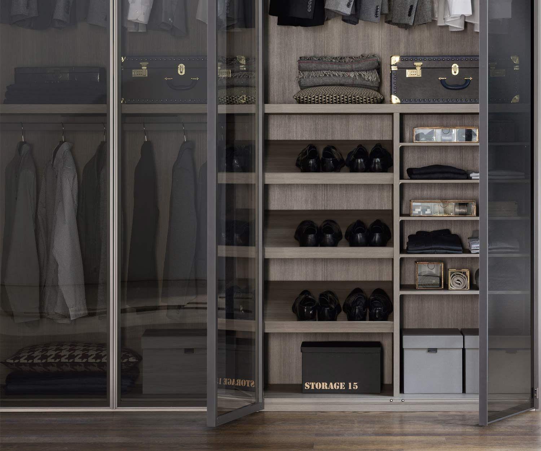 Kleiderschrank Perry Mit Transparenten Glasturen Und Beleuchtung Kleiderschrank Schiebeturen Kleiderschrank Ankleidezimmer