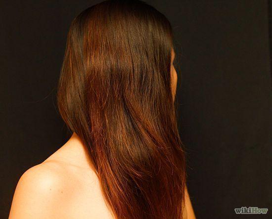 Natürlich können schwarz gefärbte Haare zu Hause die DIY