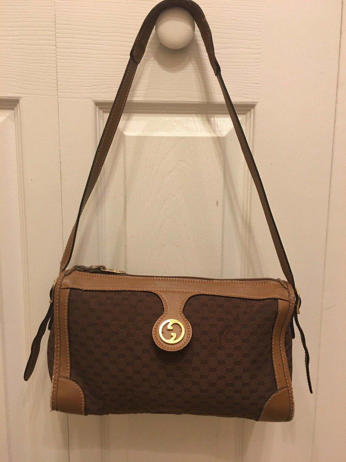 3ff2abd8902  FORSALE GUCCI vintage Monogram Micro GG Brown Leather Canvas Shoulder Bag  -  50