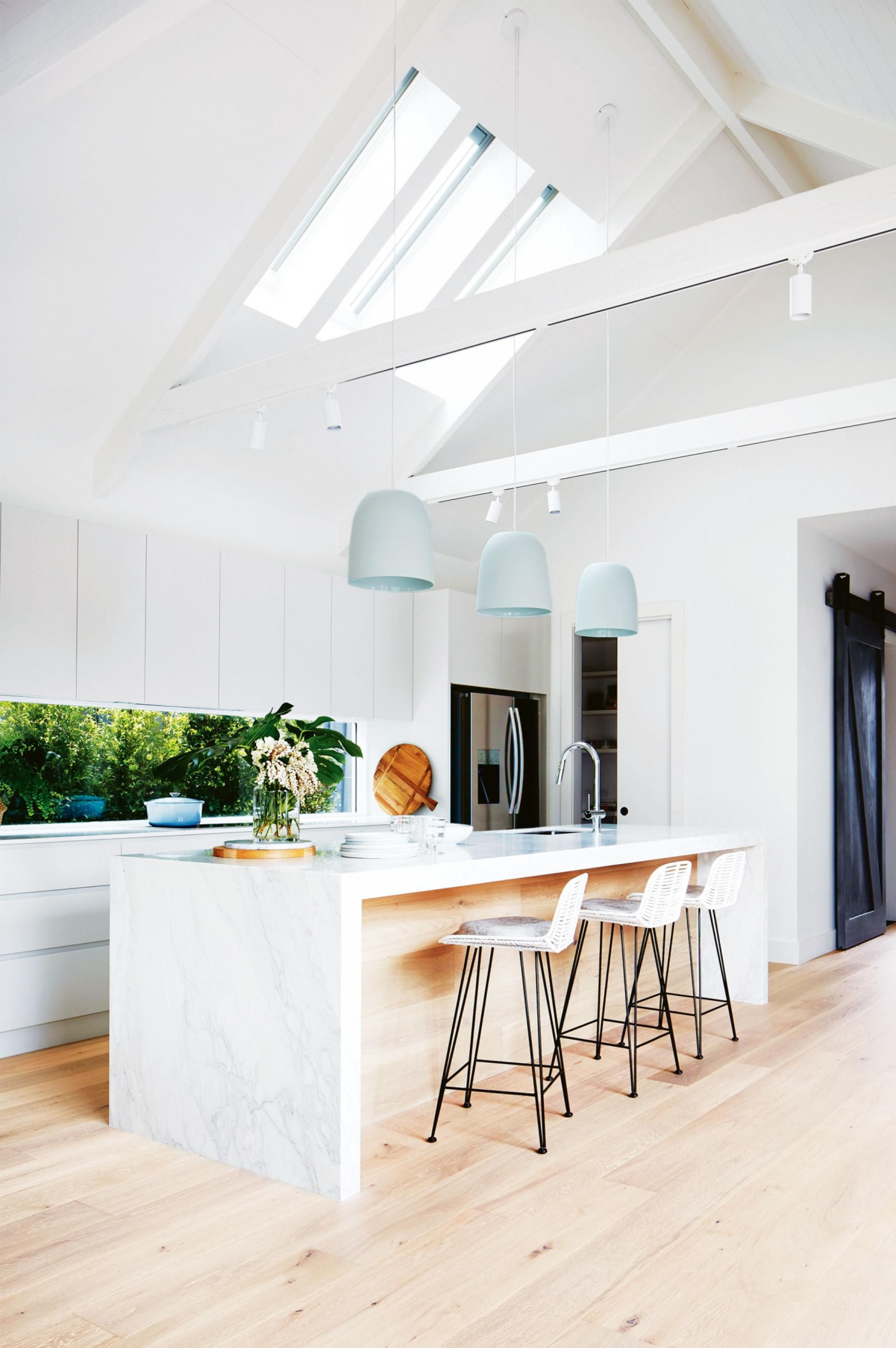 Admirable 21 Gorgeous Pendant Lights Over An Island Bench Kitchen Ibusinesslaw Wood Chair Design Ideas Ibusinesslaworg