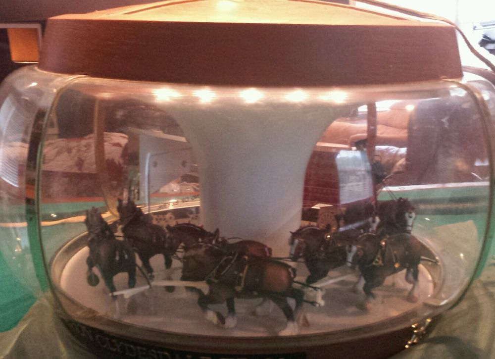 Vintage Budweiser Clydesdale Parade Carousel Light Up Bar