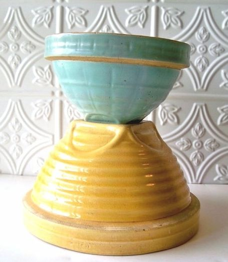 Vintage Kitchen Bowls: Vintage McCoy Mixing Bowls In Yellow And Turquoise