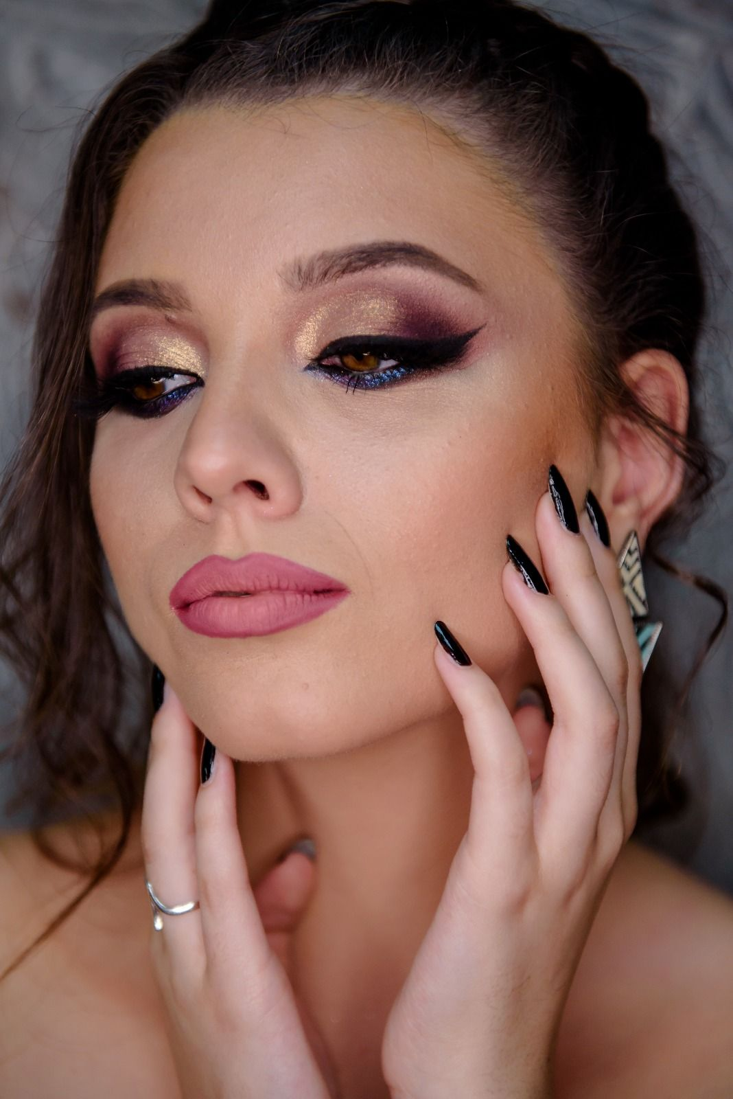 Pin By Profesional New Consult On Curs Machiaj Make Up Jewelry