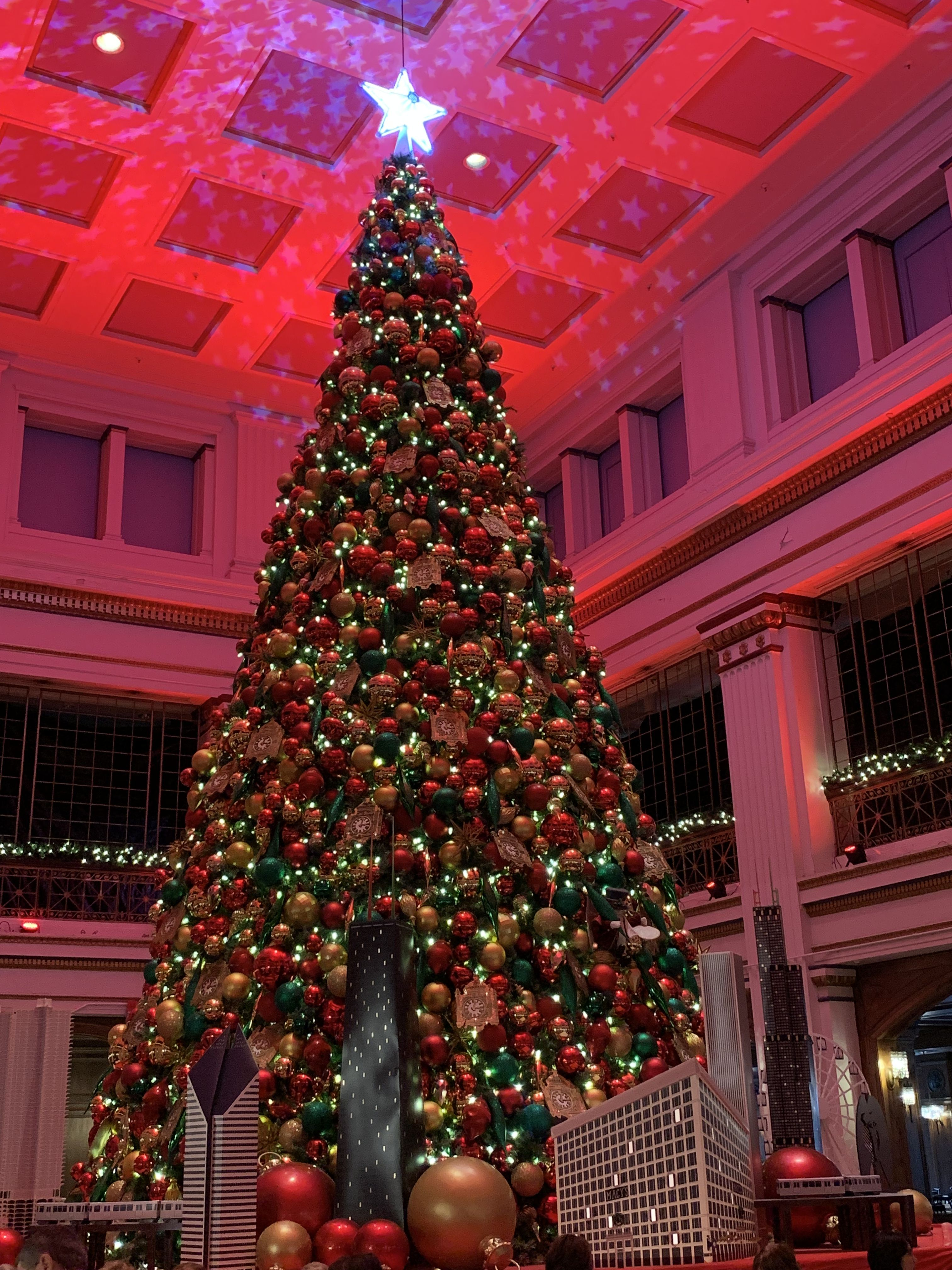 Walnut Room Chicago Christmas 2019 The Great Tree, Walnut Room, Macy's Chicago | Christmas 2018 in