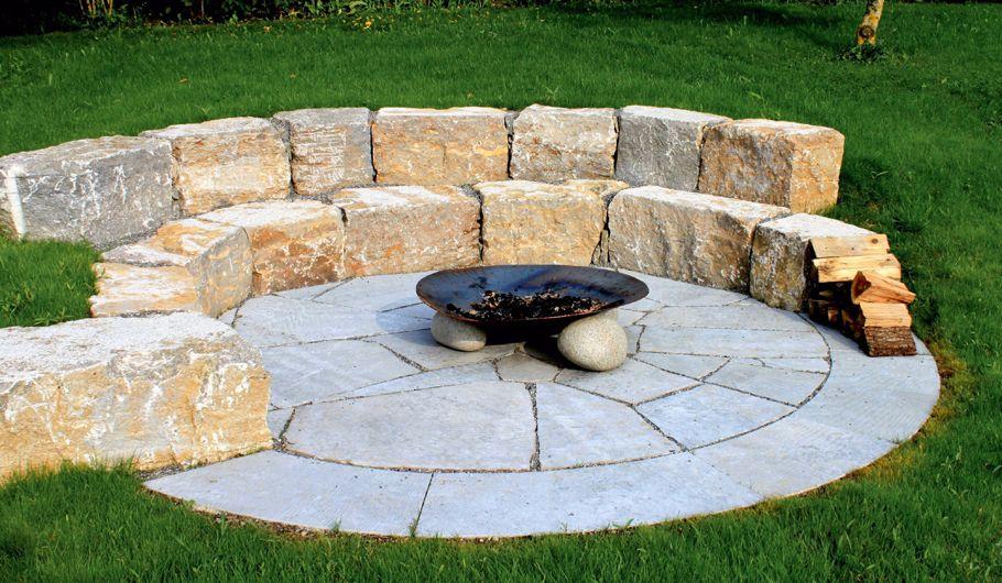 muschelkalk sitzsteine mit polygonalplatten und umrandung für eine, Garten seite