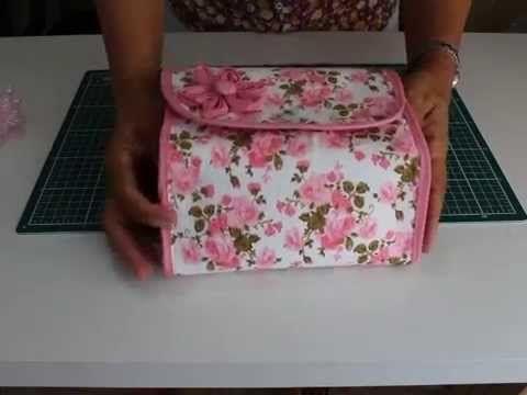585dcc913 Como fazer uma Necessaire /Porta maquiagem Thay | videos de bolsos ...