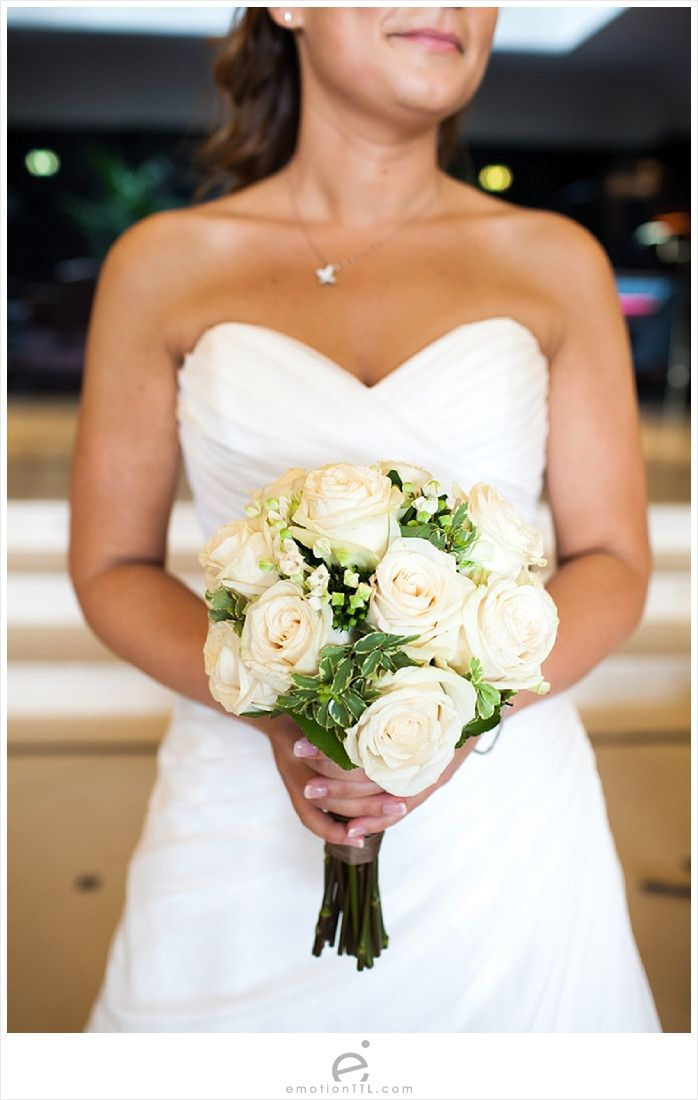 White roses bouquet Wedding Photography by www.emotionttl.com #bouquet