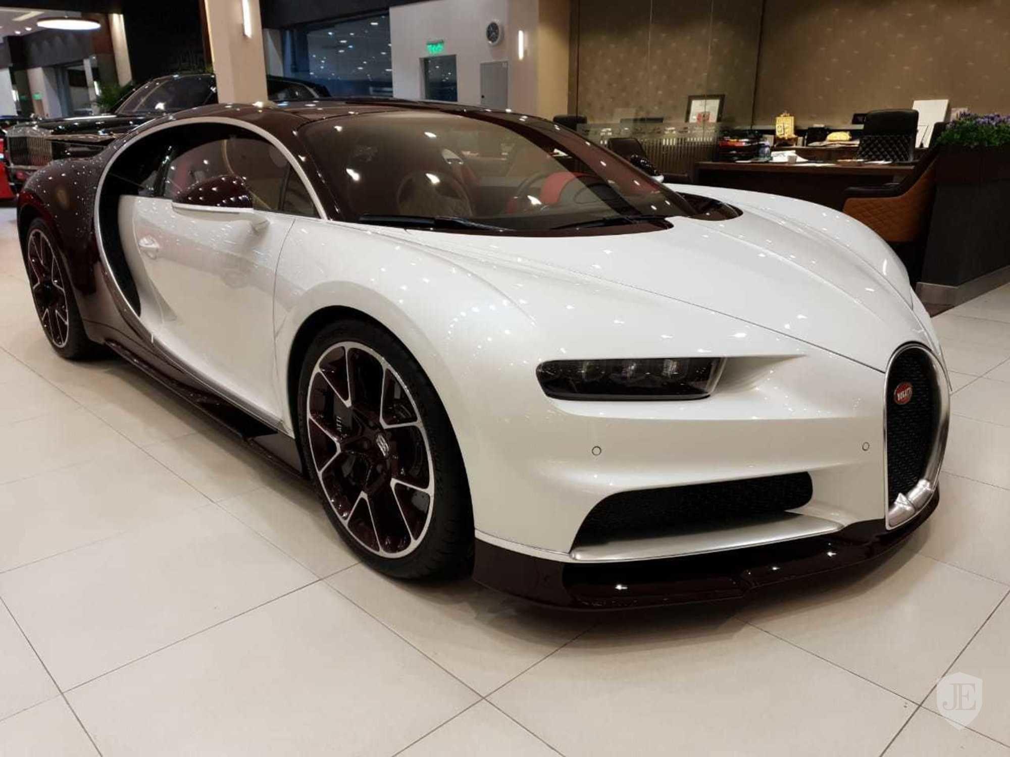 2017 Bugatti Chiron For Sale On Jamesedition Bugatti Chiron Bugatti Bugatti Chiron 2017