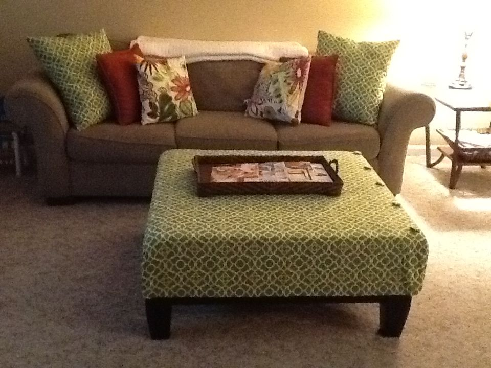 diy ottoman cover and matching pillows things i 39 ve made diy ottoman ottoman cover home decor. Black Bedroom Furniture Sets. Home Design Ideas