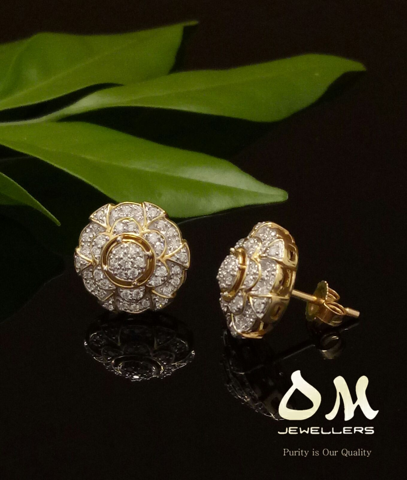 Best Prices Guaranteed Diamond Stud Earrings In 18karat Starting From 880 Omjewellers Omjewelaus Perth Brisbane Gold Yellowgold