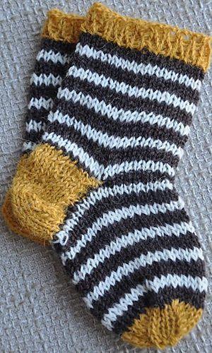 knitted baby socks |  Ravelry