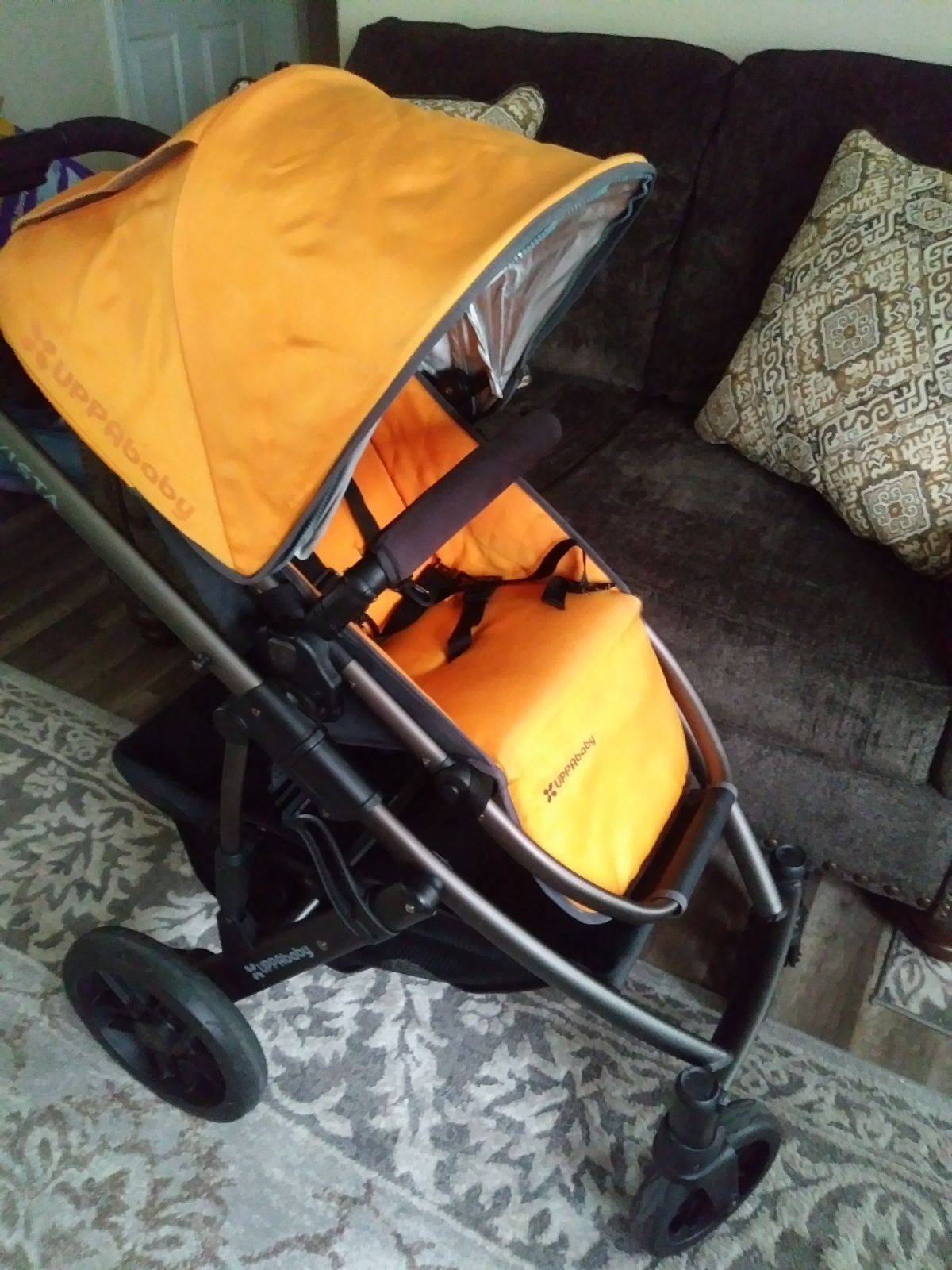 Uppababy Vista stroller with accessories black frame N
