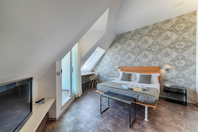 Camere Con Divano Letto : Suite sono composte da un ampio soggiorno con divano letto una