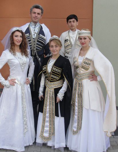 Traditional dress of Georgia: The fantastic Chokha   Traditional ...