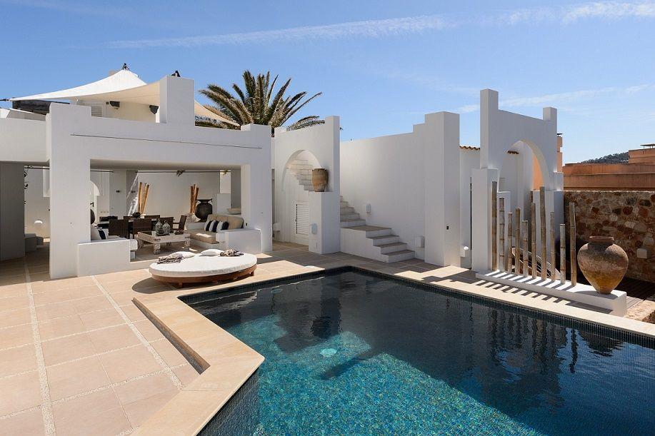 Andre Jacqmain Calo d'en Real terrace white