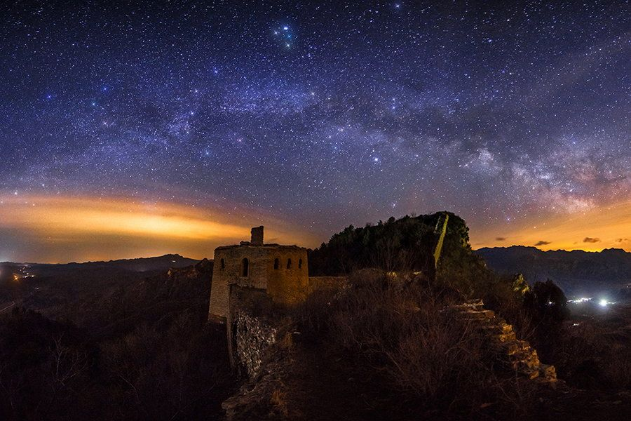 the milky way above the simatai great wall beijing china on the great wall of china id=75347