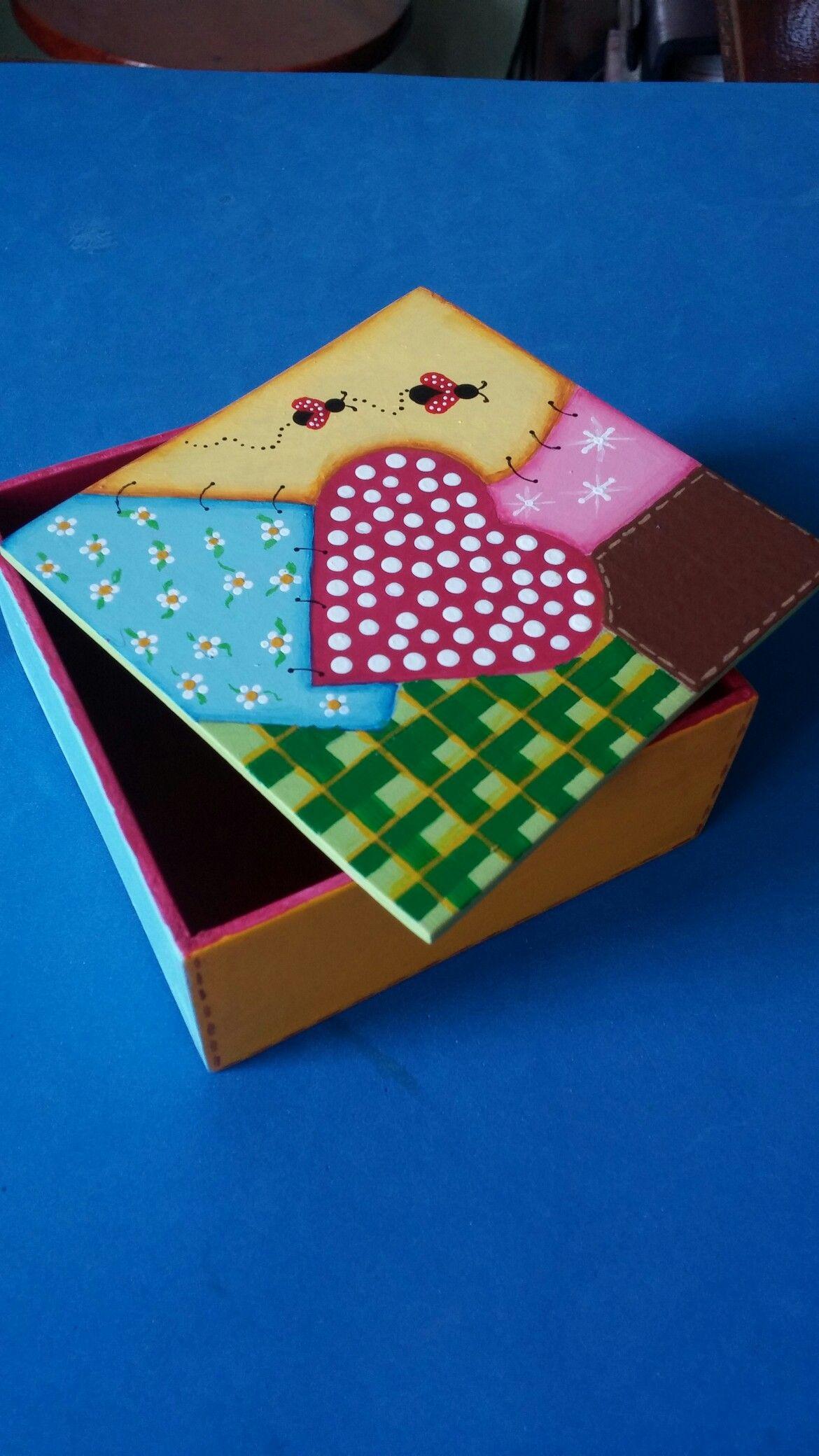 Caja de madera decorada a mano arte country pinterest - Cajas de madera decorativas ...