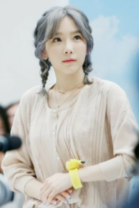 Bingung Menata Rambut Saat Olahraga Ikuti Saja Gaya Rambut Stylish Ala Cewek Korea Ini Styling Pod Selebritas Yoona Kim