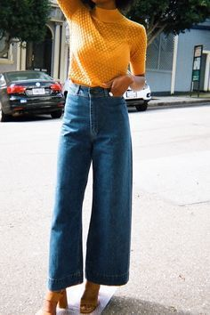 Vintage Fall Fashion. Yellow top with flared jeans. #fall #fallfashion #women#39;scasualstyle