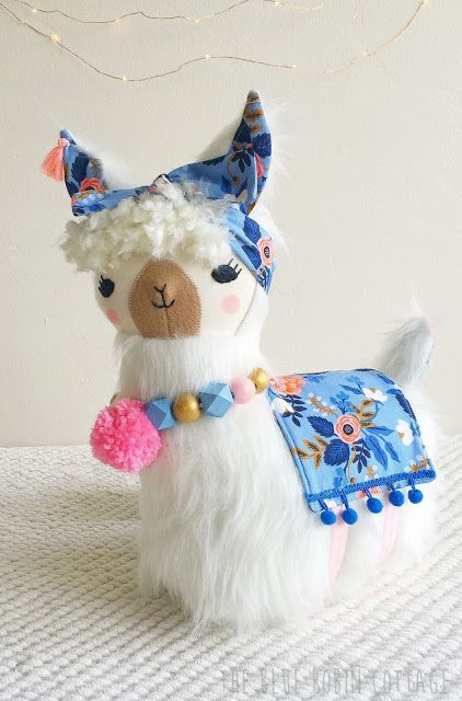 lulu llama pillow made by Blue Robin Cottage. Pattern by gingercake ...