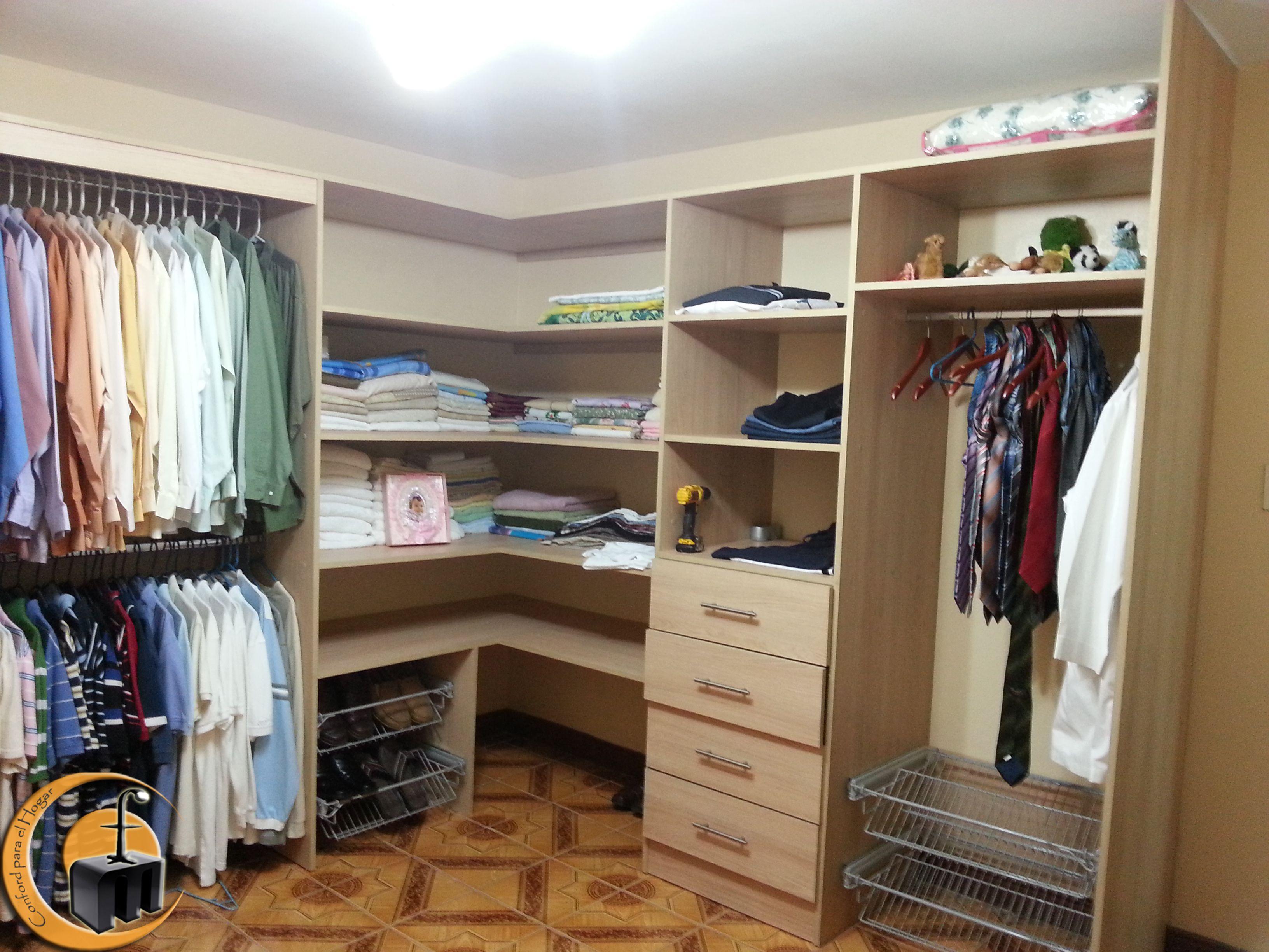 Walk in closet melamina carvalo distribuci n gavetas for Zapateras para closet pequenos
