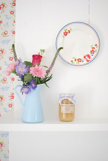 Cath kidston wallpaper and flowers just pretty for Cath kidston kitchen ideas
