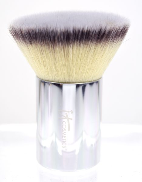 IT Cosmetics Buki Brush Box Holiday Collection - Buki Buffing Brush