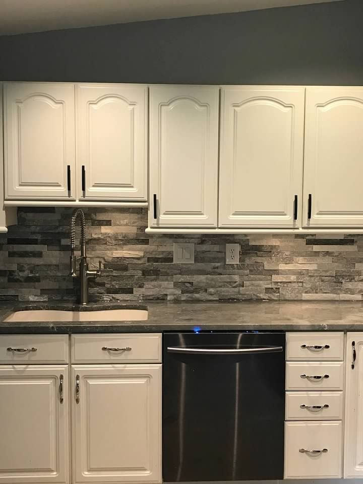 Grey stack stone backsplash | Cabin in 2019 | Stacked ...