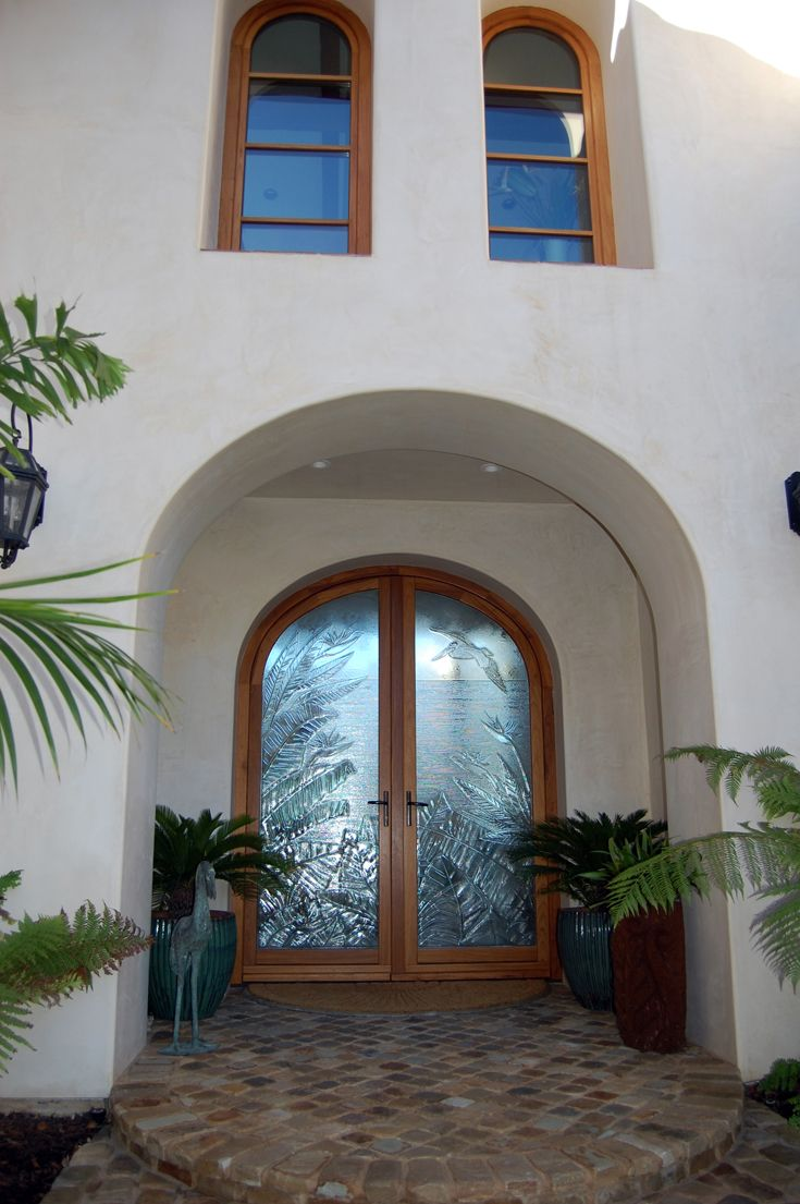 Front exterior spanish architecture spanish colonial for Mission stucco