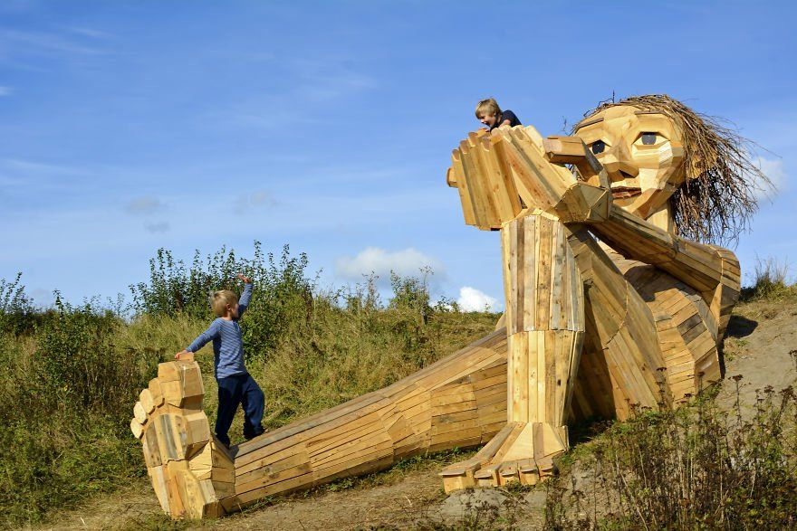 Thomas Dambo gigantes de madera 9