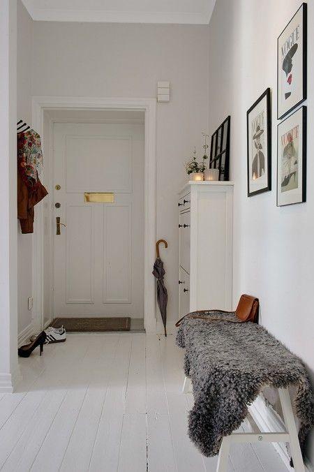 entre-indretning-boligindretning-design-interior-homedecor-hallway-lammeskind #entreindretning