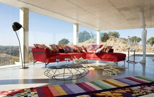 Sofa Wohnzimmer Rot Farbige Kissen