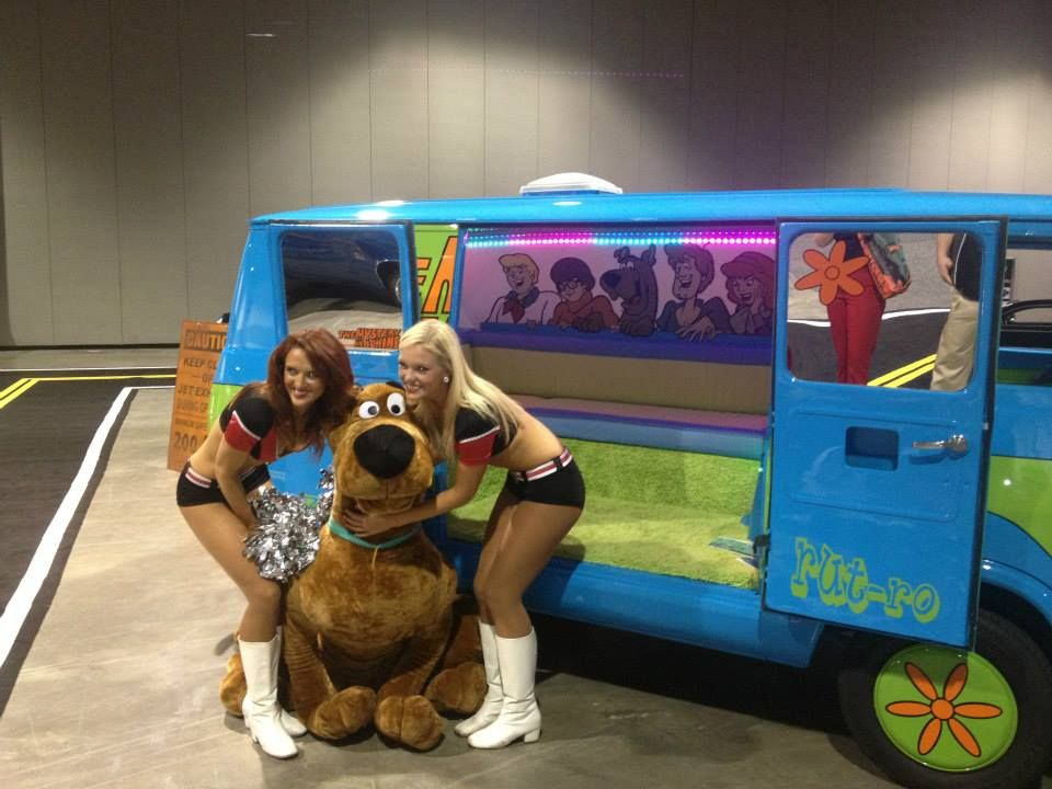 Mystery Machine Scooby Doo In 2019 Trunk Or Treat