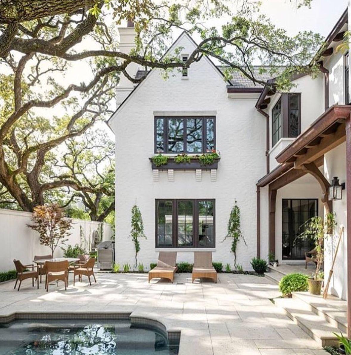 White Stucco And Pool Courtyard House Exterior Beautiful Homes Backyard Pool